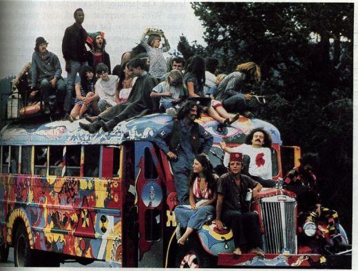 Penser la parapsychologie, autrement - Page 3 Mouvement-hippie-1970